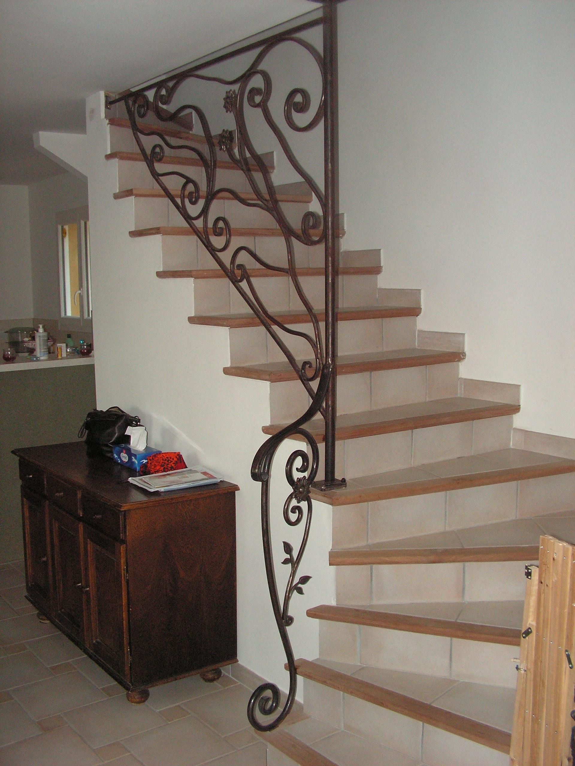 Rampe d escalier int rieur rampe d escalier int rieur - Rampe d escalier moderne ...